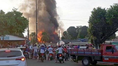 Governo brasileiro minimiza dimensão dos incêndios na Amazónia