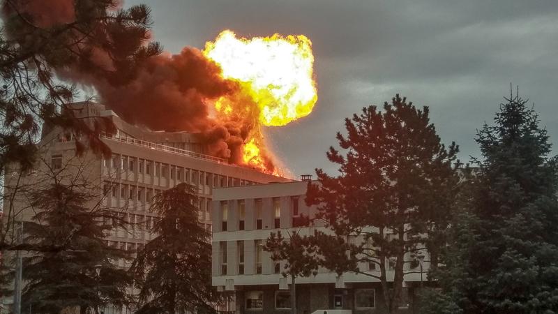 França: Explosão seguida de incêndio na Universidade de Lyon. Pelo menos três feridos