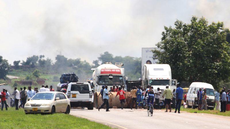 Protestos contra aumentos nos combustíveis provocam oito mortos no Zimbabué