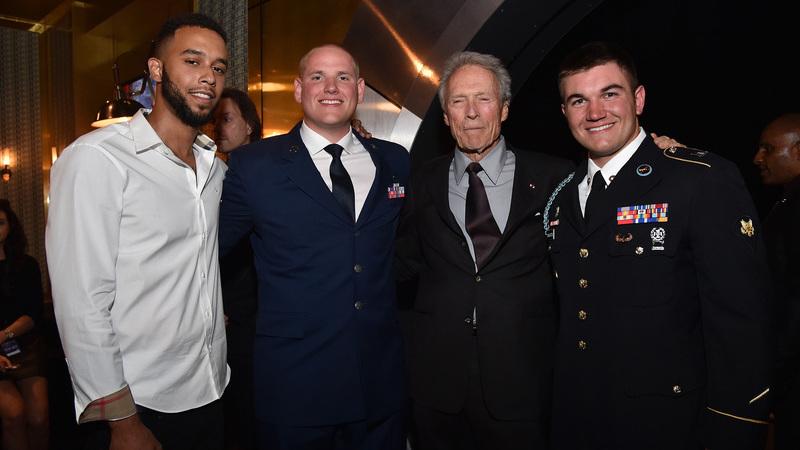 """""""15:17 Destino Paris"""": Clint Eastwood filma heróis que impediram atentado"""