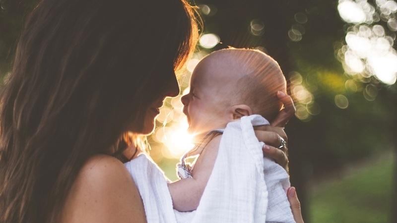Os cuidados a ter com o bebé recém-nascido