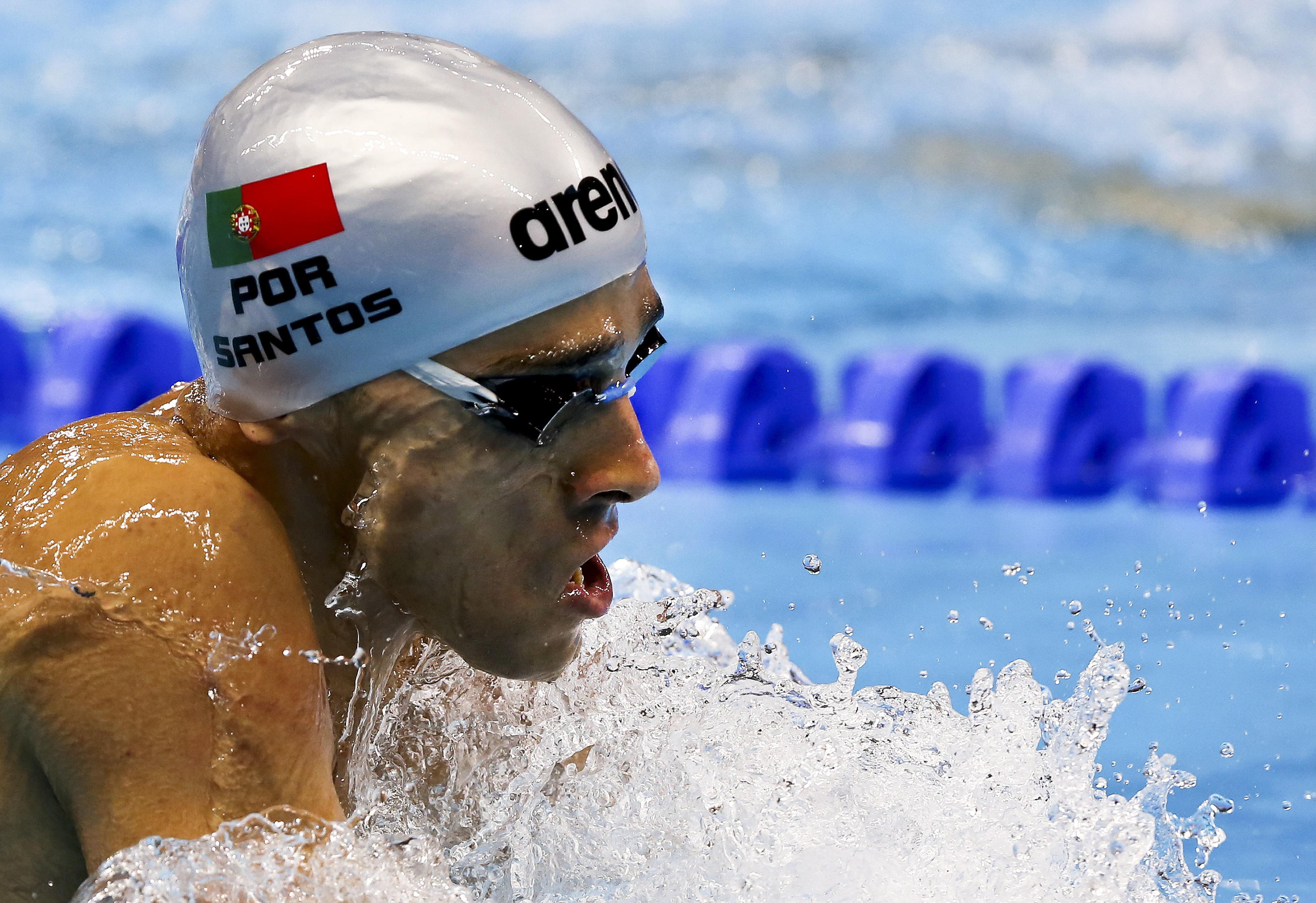 Estafeta dos 4x200 livres bate recorde nacional e garante final dos Mundiais de natação