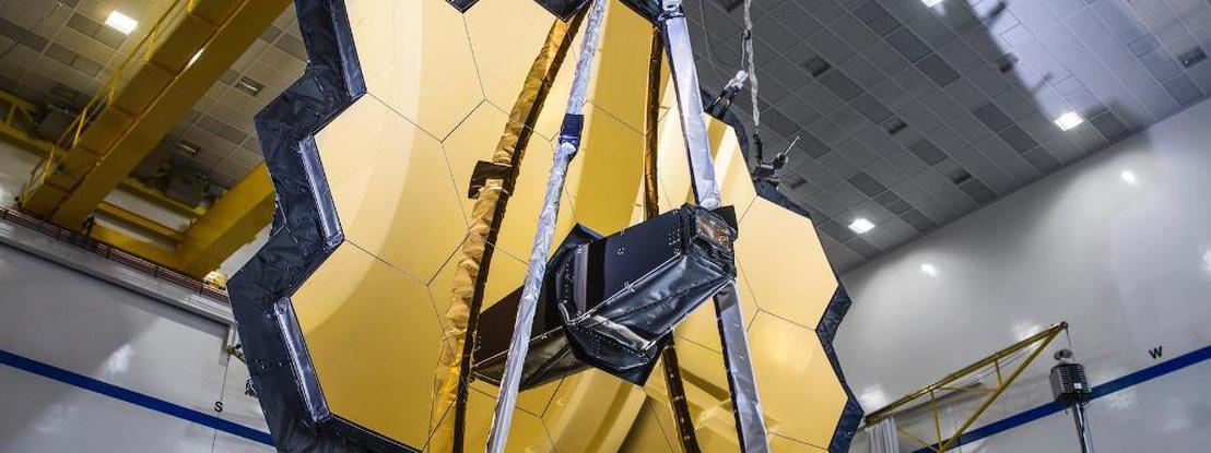 """O telescópio """"mais poderoso de sempre"""" da NASA já consegue abrir com sucesso o espelho de 6,5 metros"""