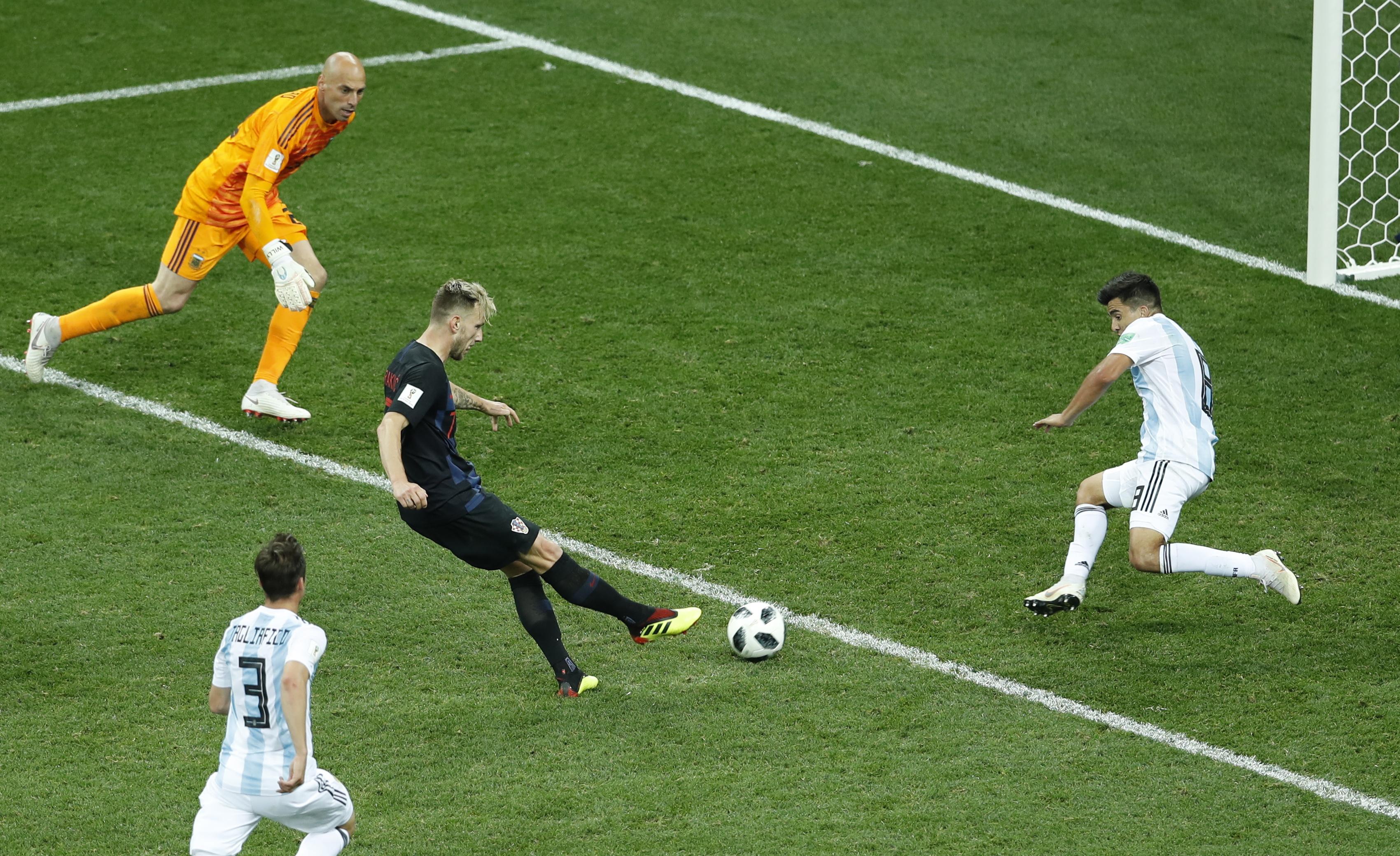 Croácia apura-se com 'chapa' três à Argentina. Seleção das pampas faz tudo para que não haja Mundial para Messi