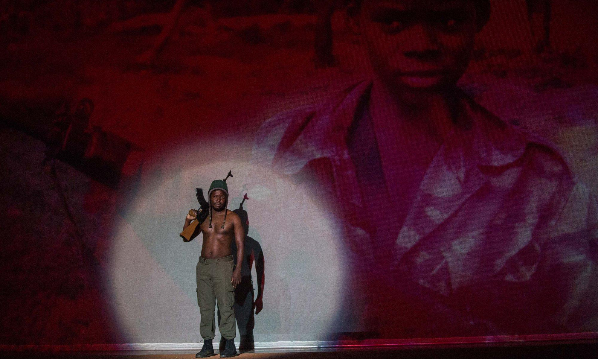 """""""Incêndios"""": amor, resistência e guerra em Moçambique no teatro de Mouawad que se estreia em Lisboa"""