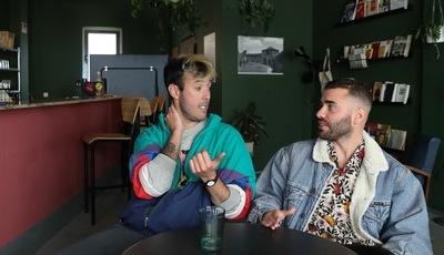 """""""Namorico do André"""": nova canção dos Fado Bicha relata amor homossexual entre um peixeiro e um pescador"""
