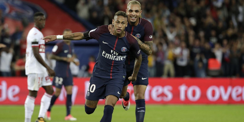 Neymar já justifica os €222 milhões: dois golos e uma assistência na goleada do PSG