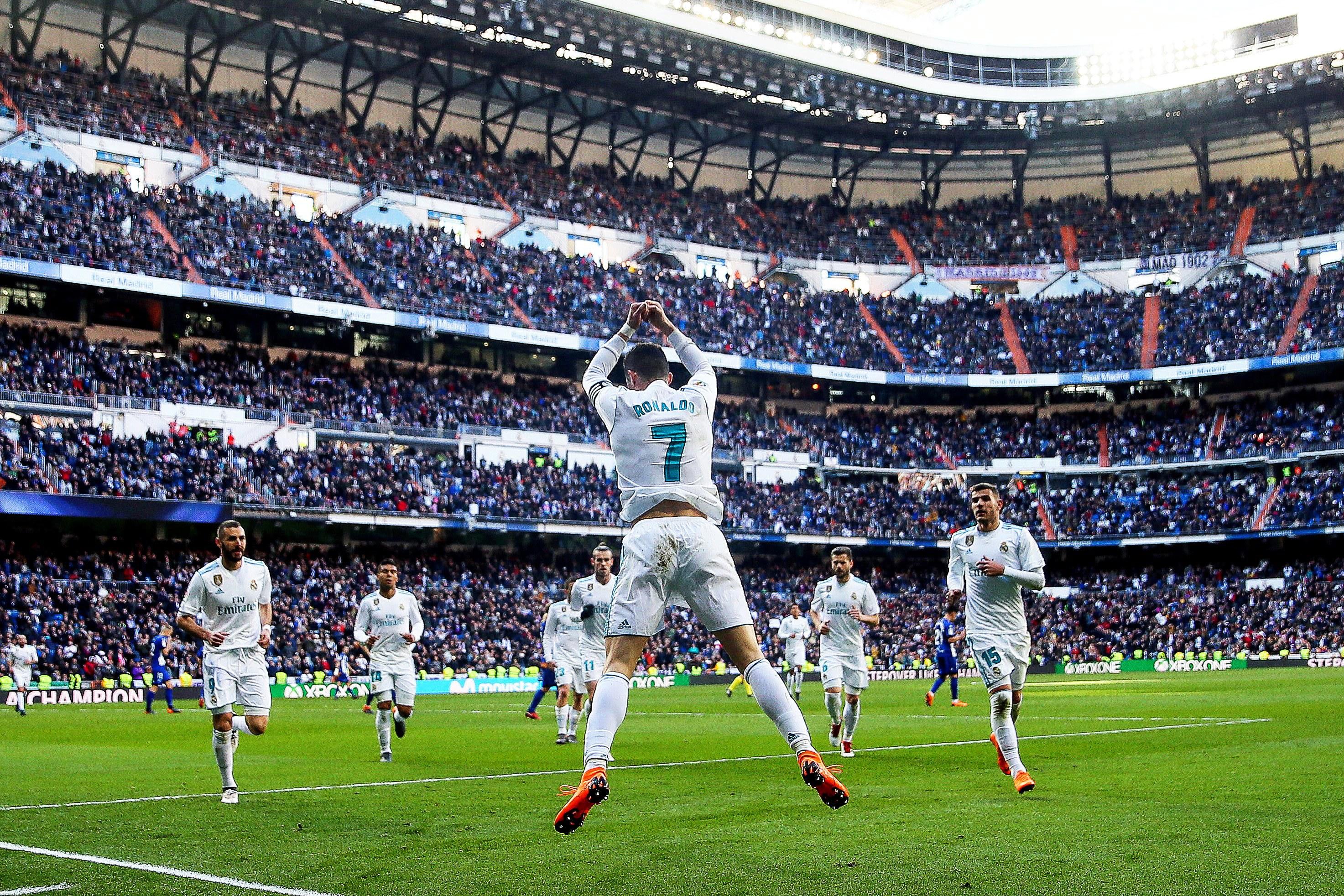 Cristiano Ronaldo 'bisa' frente ao Alavés na vitória do Real