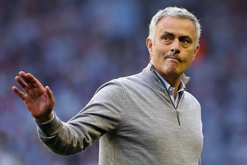 Mourinho 'ignora' Ronaldo e vira-se para Harry Kane