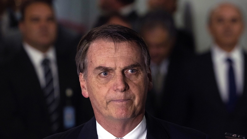 Jair Bolsonaro quis proibir familiares de médicos estrangeiros de trabalhar no Brasil?