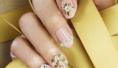 Manicure em português: 9 sítios onde pode ir fazer as unhas ainda hoje