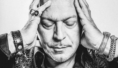 """Entrevista a Paulo Gonzo: """"Descobri como se faz uma canção para se vender, nisso sou um bocado malandreco"""""""