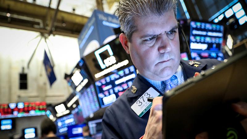 Wall Street fecha em terreno negativo com tensão entre Trump e a China