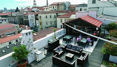 Graça Rooftop Bar: Descontrair lá no alto do Porto