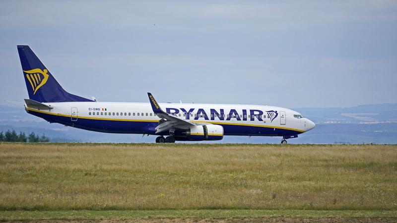 Ryanair diz que todos os voos saíram hoje de manhã, quarto dia de greve em Portugal