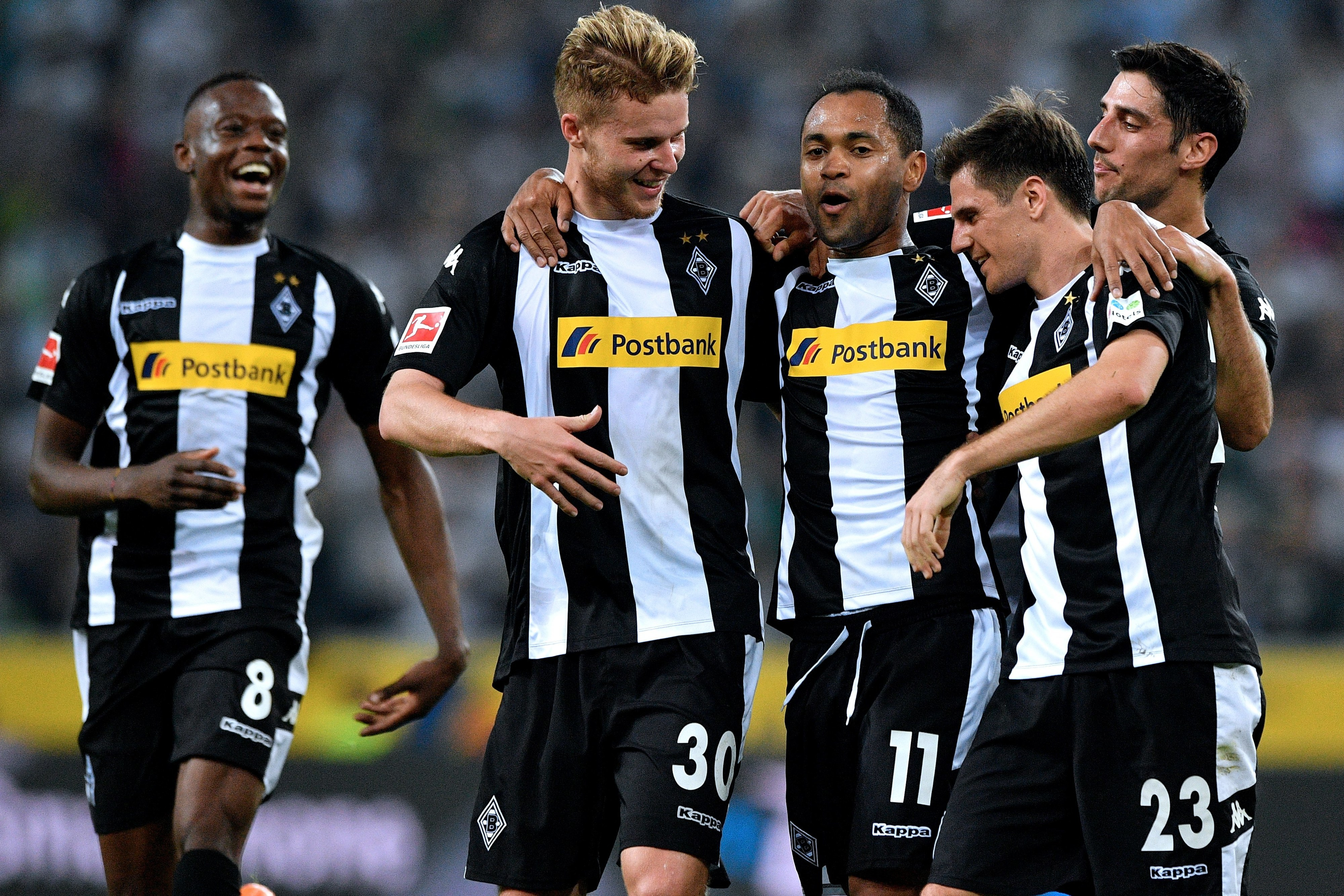 Moenchengladbach vence Wolfsburgo e mantém-se na luta pela Europa