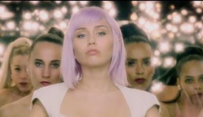 """Miley Cyrus no regresso de """"Black Mirror"""": quinta temporada já tem trailer e data de estreia"""