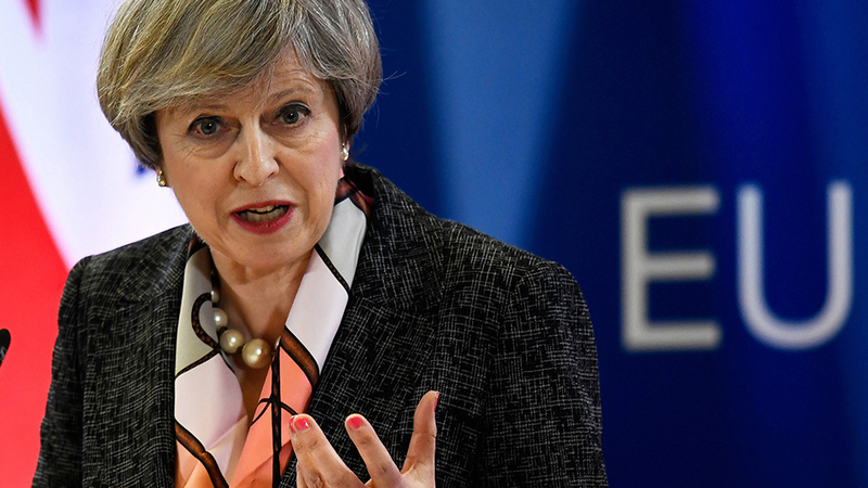 "Brexit está ""em risco"" se houver chumbo no parlamento, alerta Theresa May"