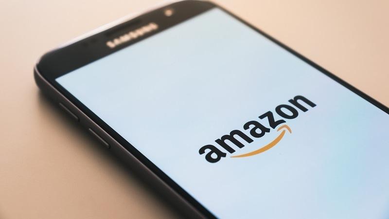 Amazon: ações podem chegar aos três mil dólares nos próximos dois anos, estima Bloomberg