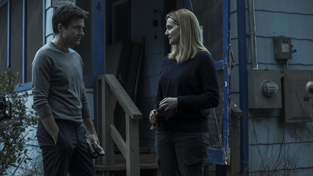"""""""Ozark"""": Jason Bateman e Laura Linney à beira do colapso no novo trailer"""