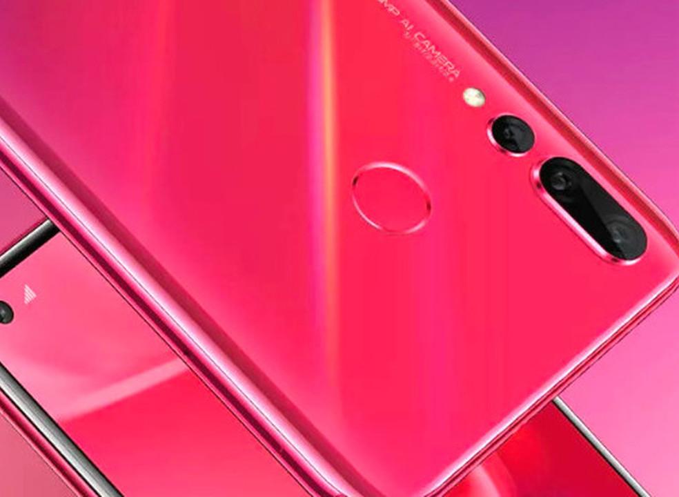 """Huawei confirma Nova 4 com câmara de 48 MP e """"furo"""" no ecrã"""