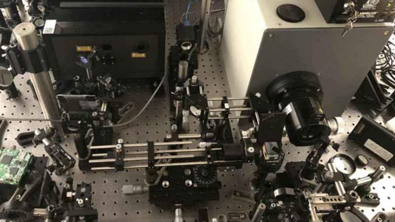 Com 10 biliões de frames por segundo, esta câmara captura até a luz em câmara lenta