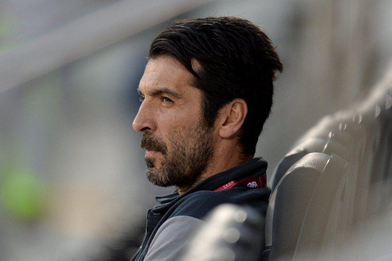 """Buffon feliz por reencontrar """"amigo"""" Casillas e atento a """"perigoso"""" André Silva"""