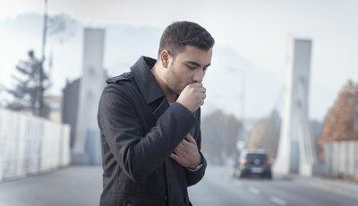 Soluções naturais para acabar com a tosse