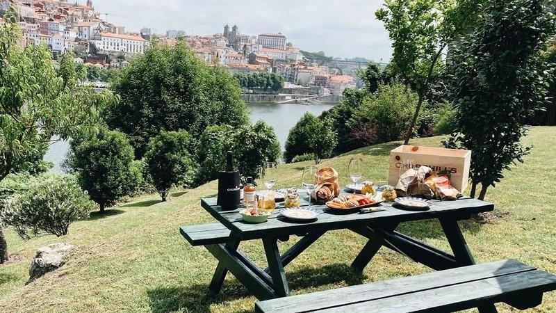 Em Gaia, o jardim da Churchill's promove piqueniques com vista para o Douro