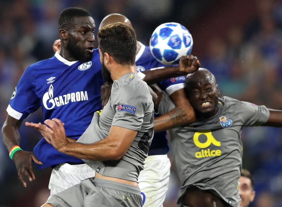 Schalke 04 1-1 FC Porto: Regresso a Gelsenkirchen não foi perfeito mas chegou para os 'dragões' conseguirem um ponto