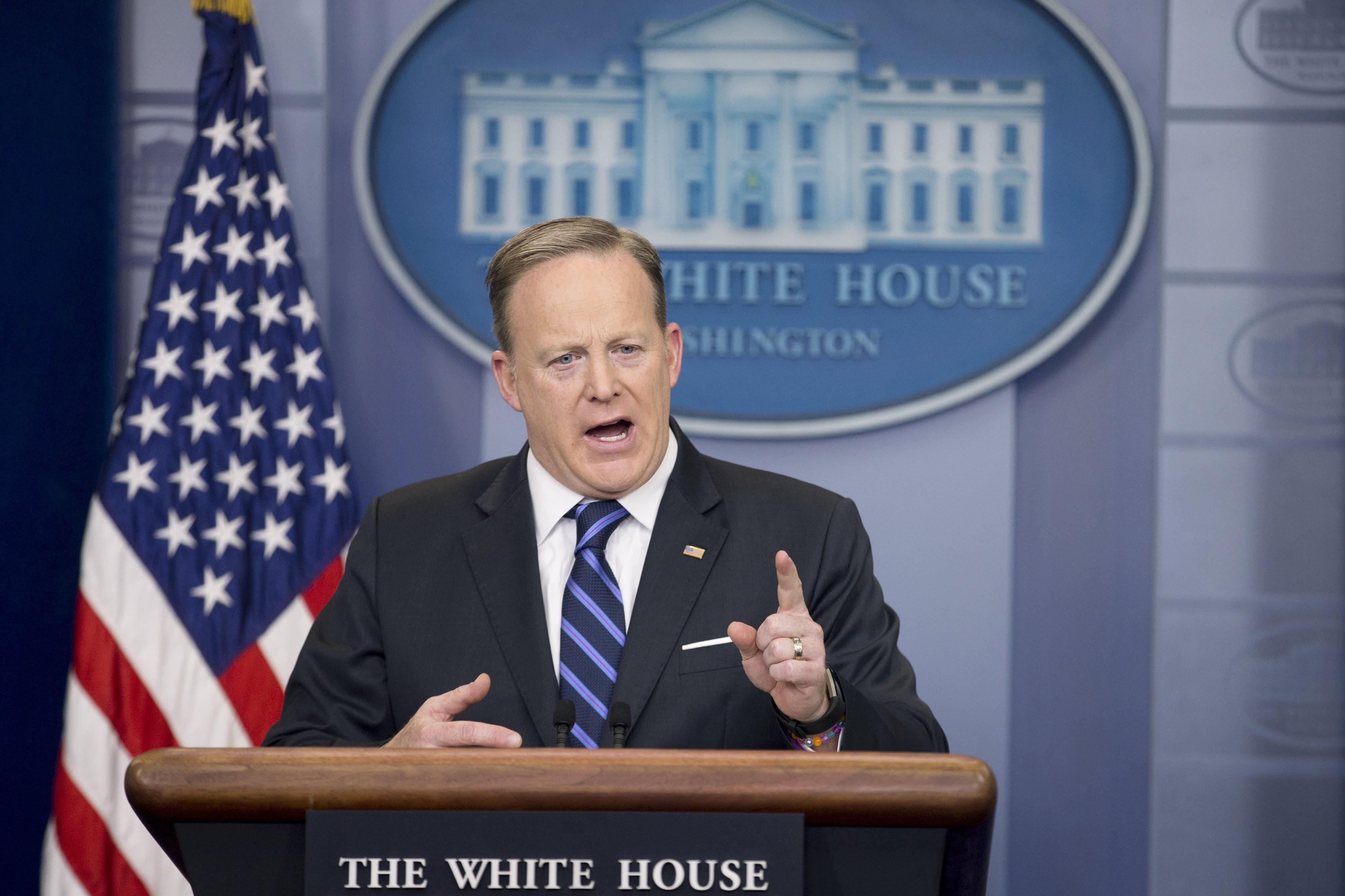 Sean Spicer, porta-voz da administração Trump, demite-se