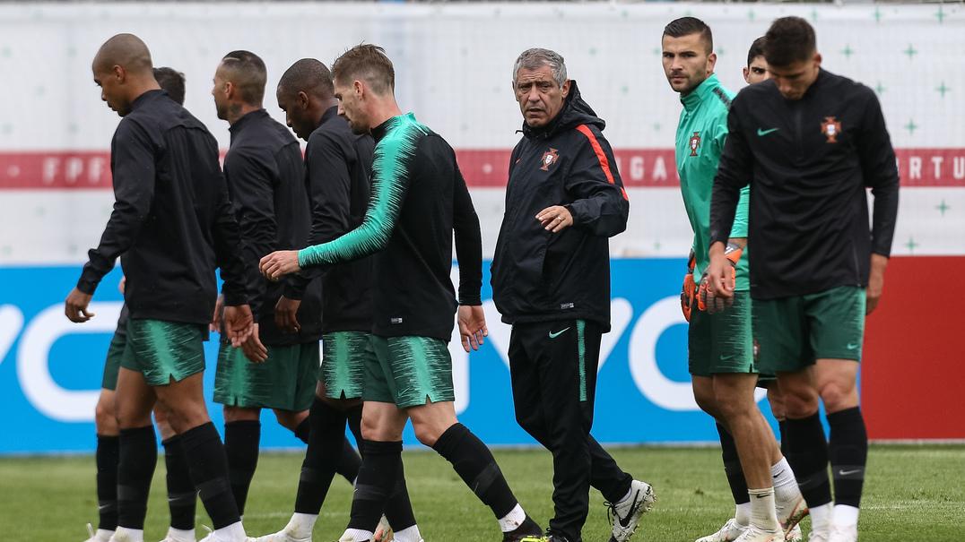 Ronaldo e Pepe supervisionaram o treino da seleção