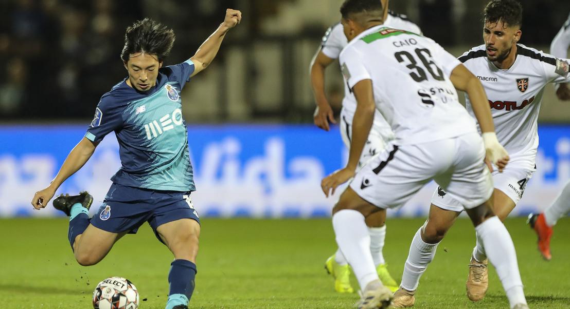 Casa Pia 0-3 FC Porto: Tiquinho Soares faz o terceiro
