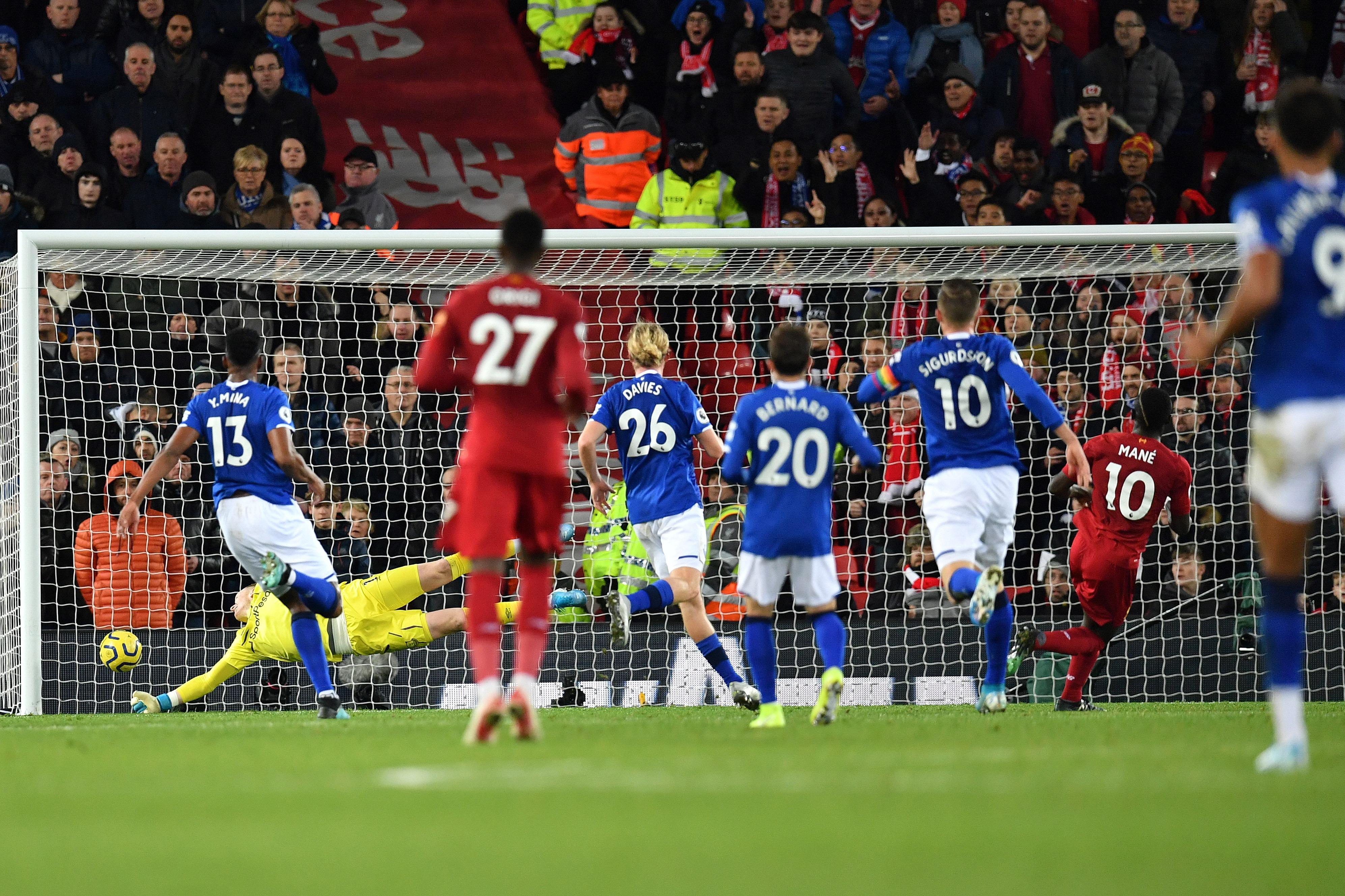 Marco Silva sai goleado no dérbi de Merseyside com Liverpool e tem futuro em risco