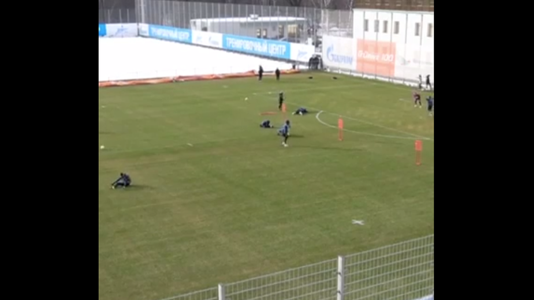 Anton Zabolotny caiu no treino e foi gozado por todo o plantel Zenit