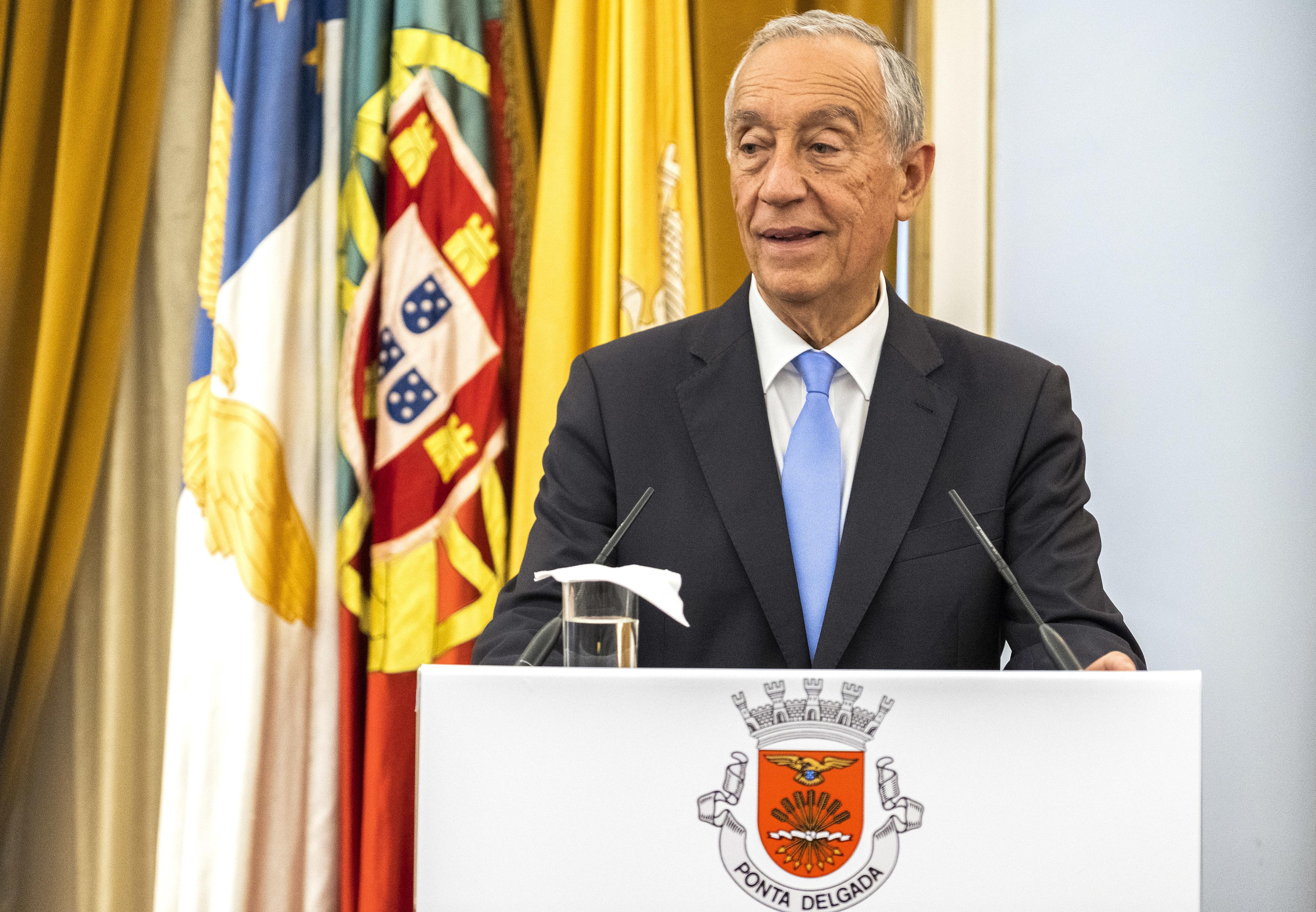 "Marcelo fez ""visita de cortesia"" a Vladimir Putin antes do Portugal-Marrocos"