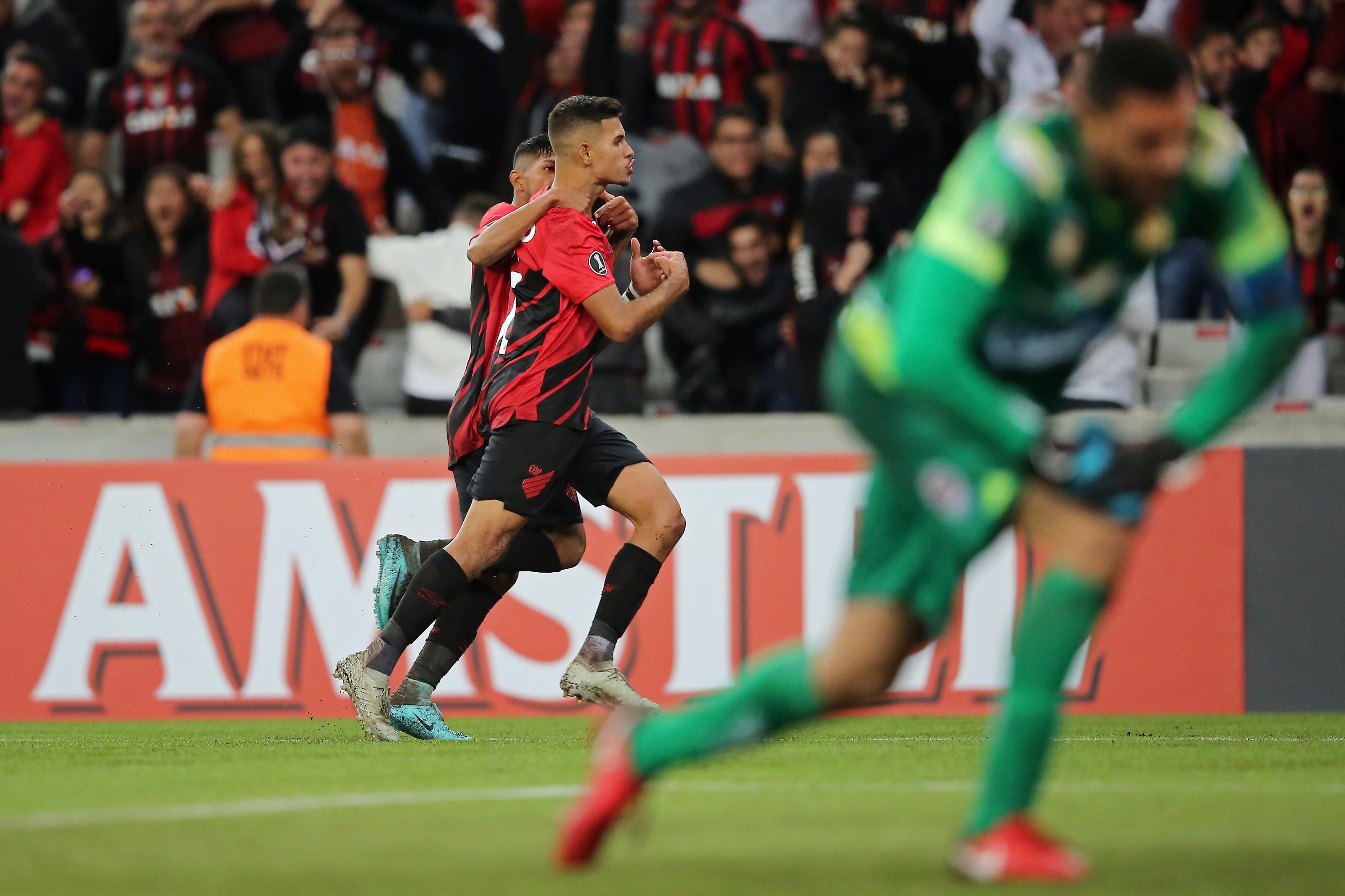 Cresce o número de grandes clubes interessados em Bruno Guimarães