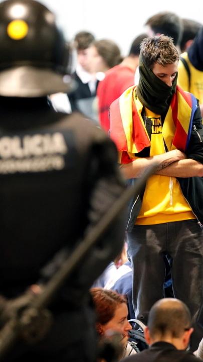 """Governo da Catalunha continua a defender independência. Pedro Sanchéz avisa que """"ninguém está acima da lei"""""""