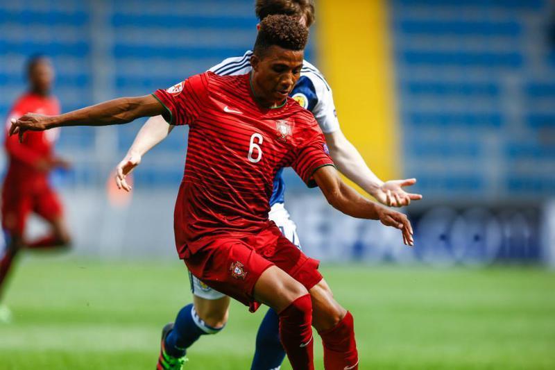 Benfica renova com Gedson Fernandes