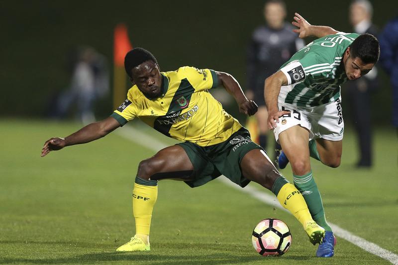 Rio Ave e Paços de Ferreira empatam 0-0