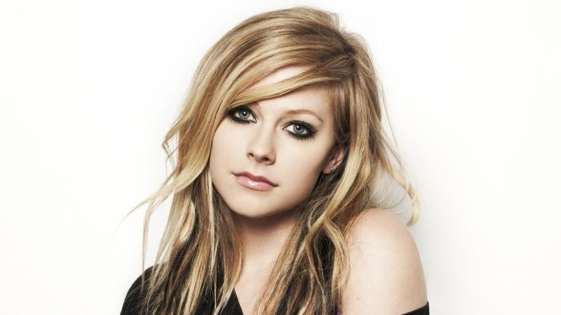 Avril Lavigne anuncia digressão europeia: para já, Portugal está de fora da lista