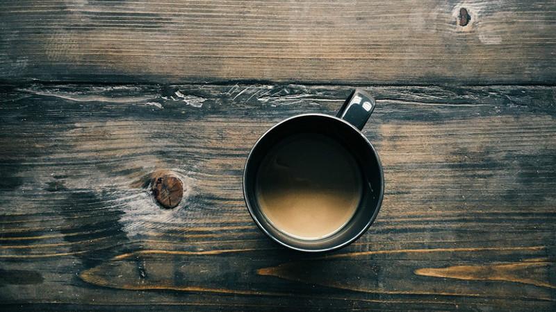 Quantos cafés já bebeu hoje? Nutricionistas explicam o seu efeito no organismo