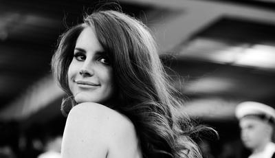Lana Del Rey cancela espetáculos da digressão europeia. Para já, concerto no NOS Primavera Sound mantém-se