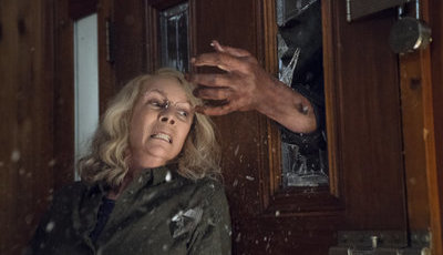 "Novo ""Halloween"" arrasa nos cinemas: Jamie Lee Curtis volta a ser rainha do terror"