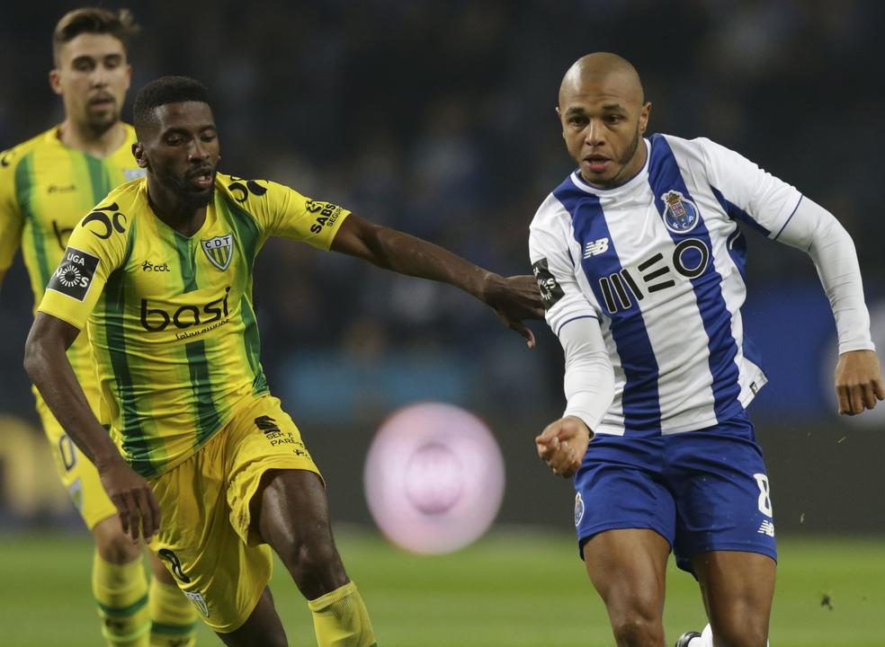 FC Porto vence Tondela e salta para a liderança isolada