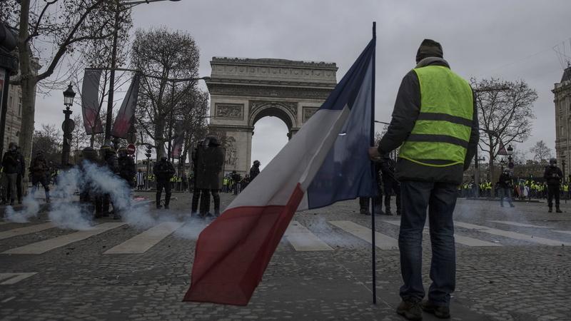 """""""Coletes amarelos"""" mobilizaram 66 mil manifestantes em França neste sábado"""