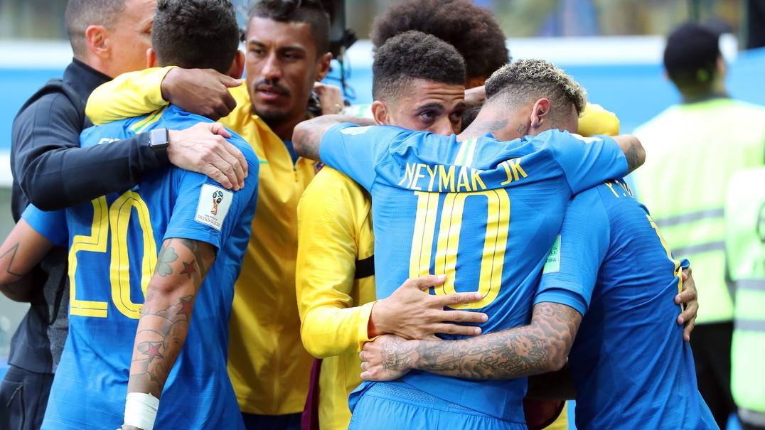 Termina o jogo, brasil ganha e Neymar chora