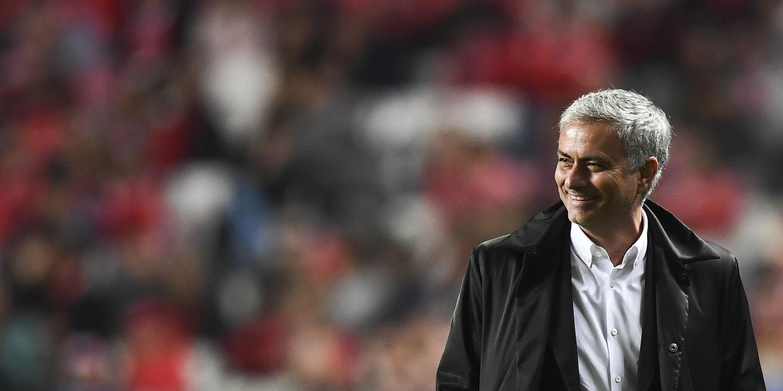 Manchester United quer renovar com Mourinho para afastar o PSG