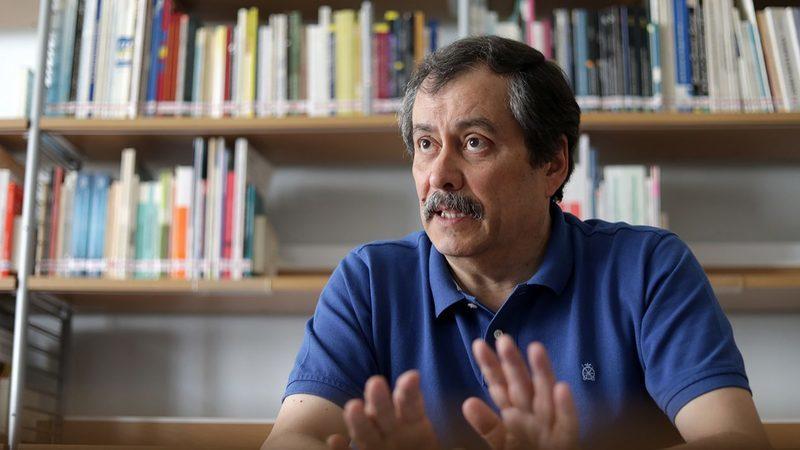 """Governo quer """"adiar o máximo possível"""" recuperação do tempo de serviço, diz Mário Nogueira"""