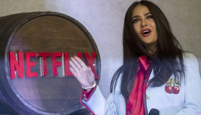 "Salma Hayek mostra México de mulheres fortes na série ""Monarca"", da Netflix"